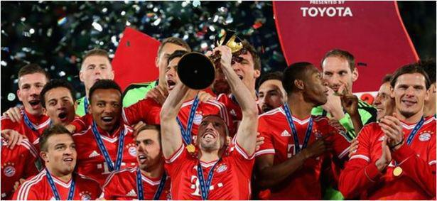 Frank Ribery con squadra riceve il Premio Toyota