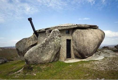 casa ispirata alla famosa casa dei Flintstones