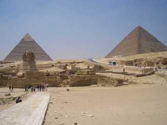 Piramidi della valle dei Re con sfinge a Giza
