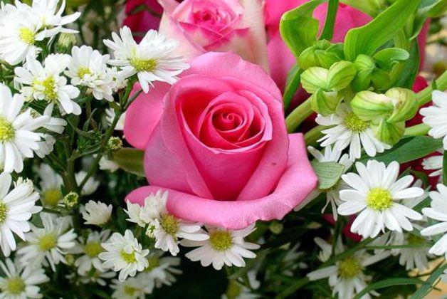bouchet con rosa per il giorno della mamma
