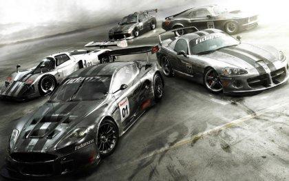 Cinque Auto da corsa con eleborazioni estetiche, assetto e motore
