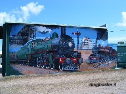 Scritte murales realizzati con le bombolette spray sui muri for Disegni sui muri di casa