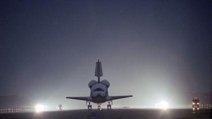 Shuttle in fase d'atterraggio nella base di Cape Canaveral