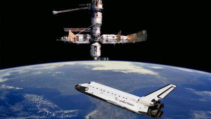 Satellite e shuttle hubble nello spazio