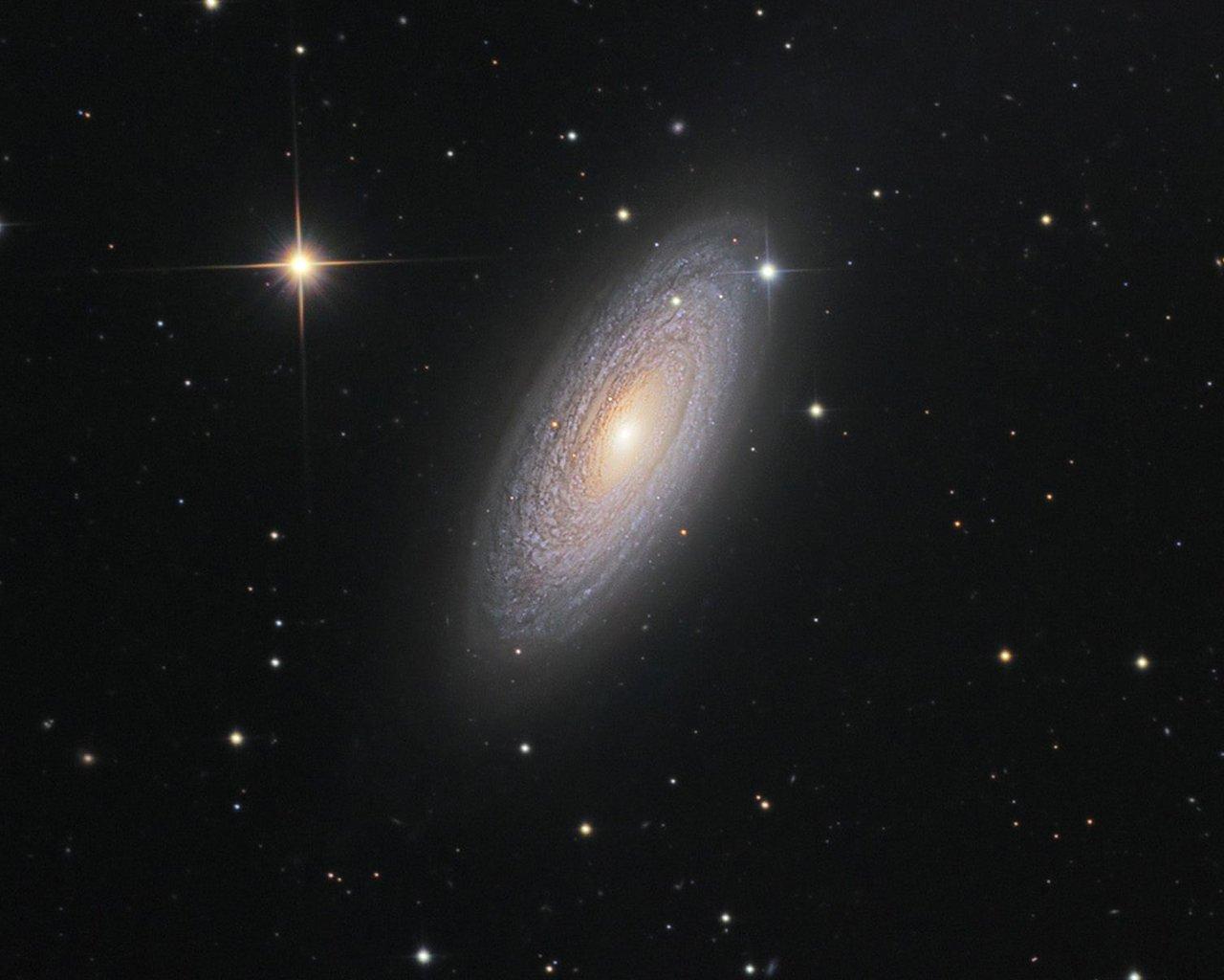 Sfondi e immagini gratis dello spazio e dei pianeti for Sfondi desktop universo