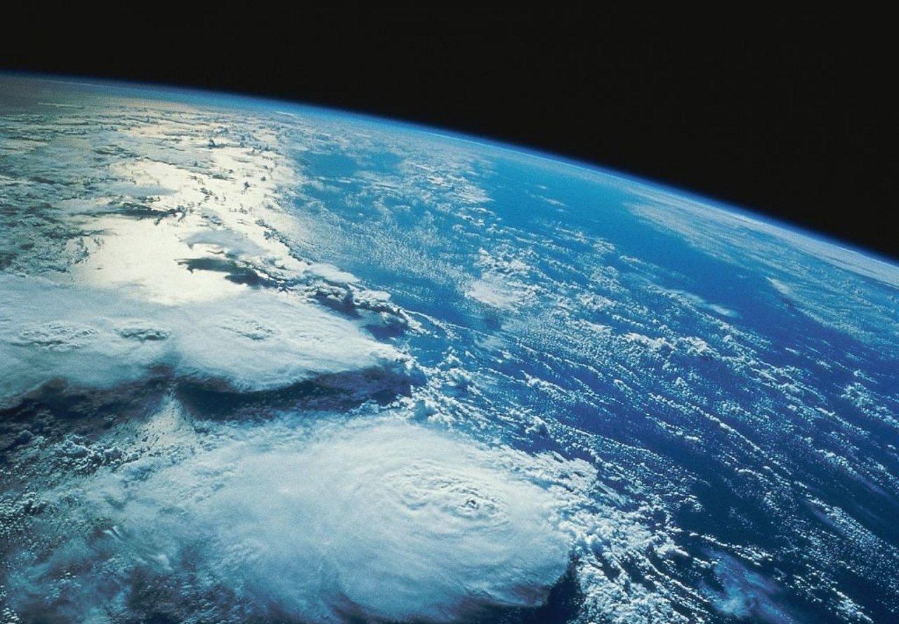 Wallpaper desktop spazio scarica gratis sfondi dei pianeti for Sfondi galassie hd