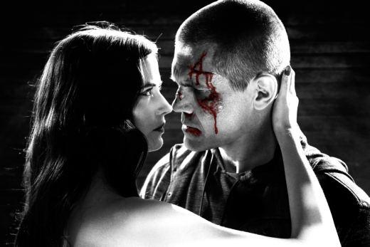 Eva Green e Josh Brolin in Sin City - Una donna per cui uccidere