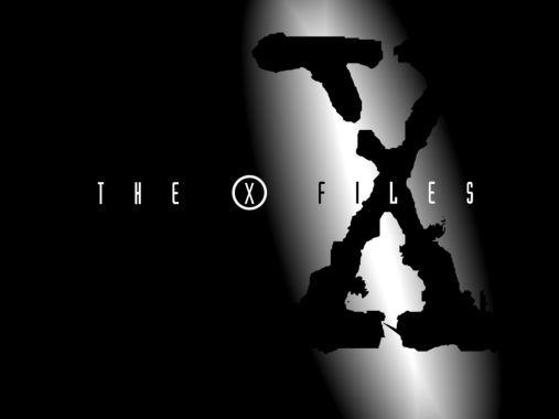 X-Files è una serie televisiva statunitense prodotta dalla FOX a partire dal 1993.