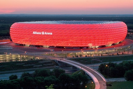 http://www.drogbaster.it/stadi-calcio/Allianz%20Arena.jpg