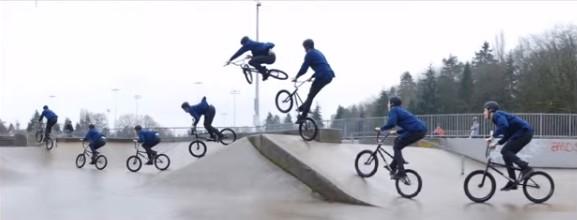 acrobazione con la bici riprese con image Composite Editor panoramica